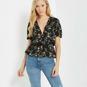 Surprise front floral top ( COMING  )